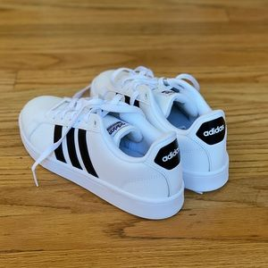 Women's Adidas Cloudfoam Shoes (Brand New!)
